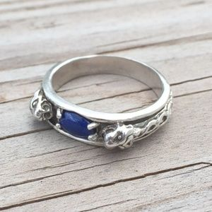 Wellstone Jewelry Accessories - Lion Ring .925 Sterling Silver w/ Lapis Lazuli
